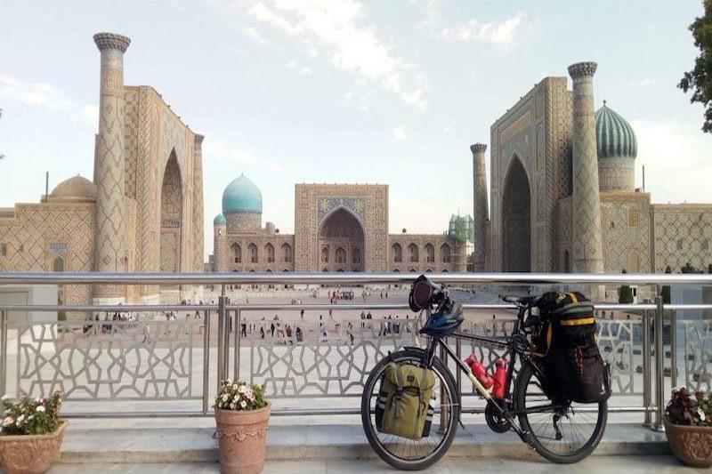 Uzbekistan Samarcanda bicicletta