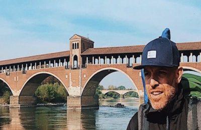 Jack Jaselli torno a casa a piedi tour Pavia